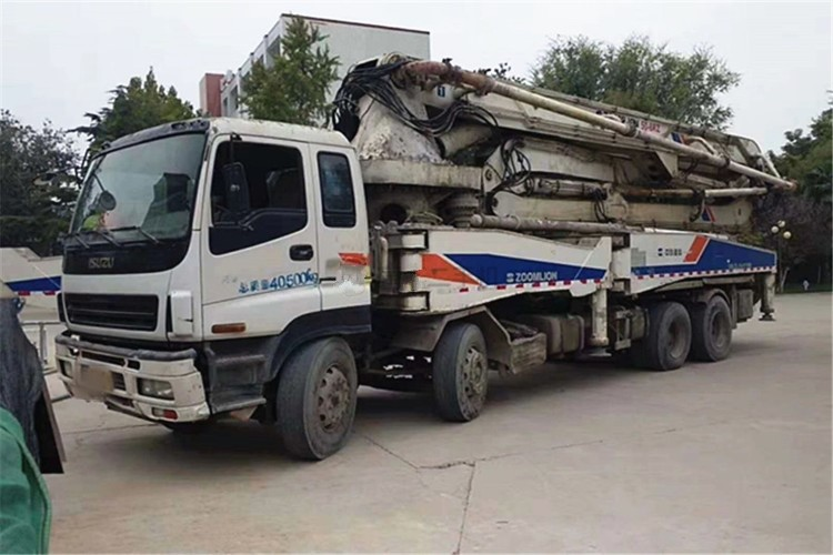 used 52M ISUZU-ZOOMLION Concrete pump truck