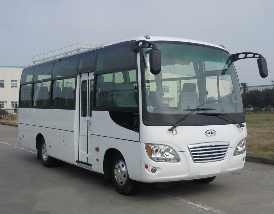 17 Seats Used Mini Bus Huaxin Brand 2012 Year 100 Km/H Max Speed For Tourism