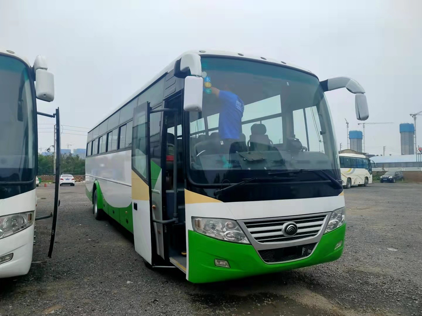 55 Seats 2013 Year Used Yutong Bus ZK6112D Diesel Engine LHD Driver Steering No Accident